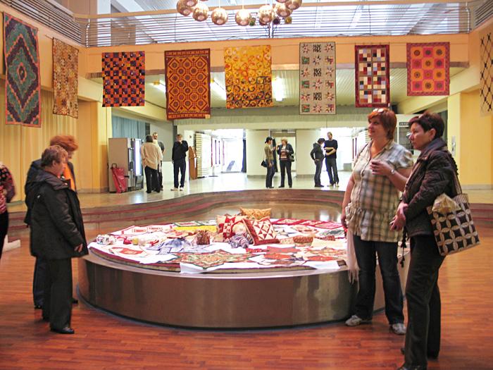 Výstava Patchwork klubu, Ružinov, Bratislava, návštevníci