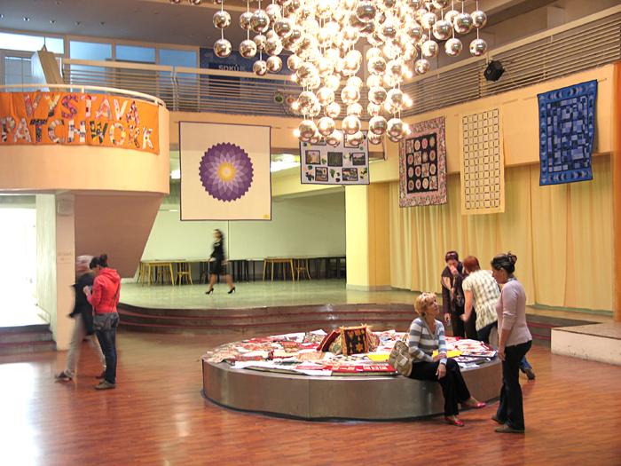 Exponáty v centrálnej hale