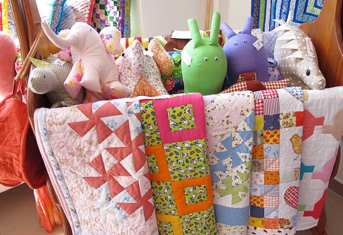 Kolíska, detské deky a hračky