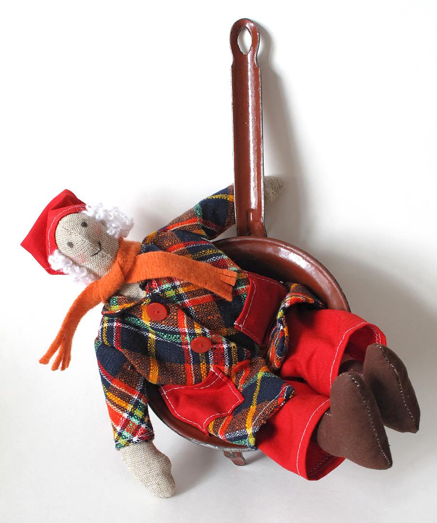 Vianočný škriatok, sánkovačka, textilná hračka