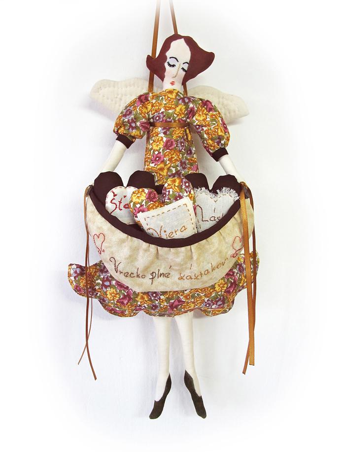 Textilná bábika Vrecko plné zázrakov