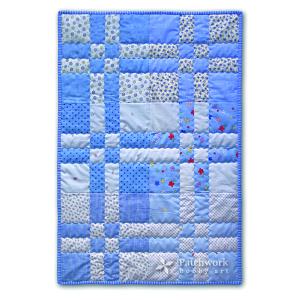 Modrá patchworková deka do Hniezda záchrany